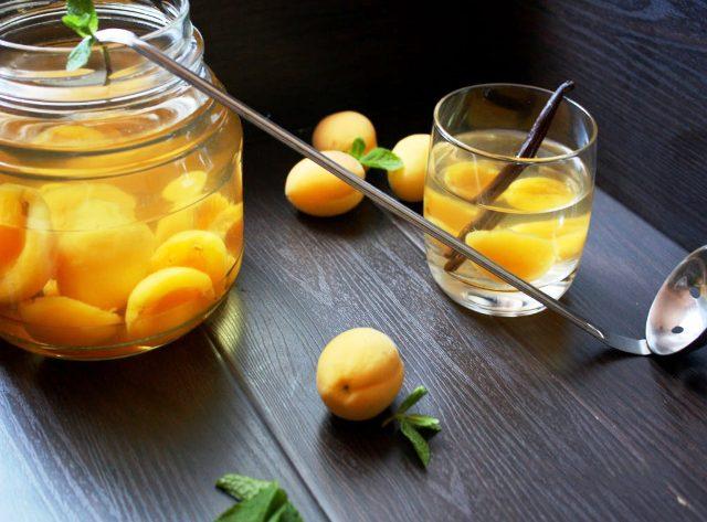 Компот из абрикосов на зиму: очень вкусные и простые рецепты