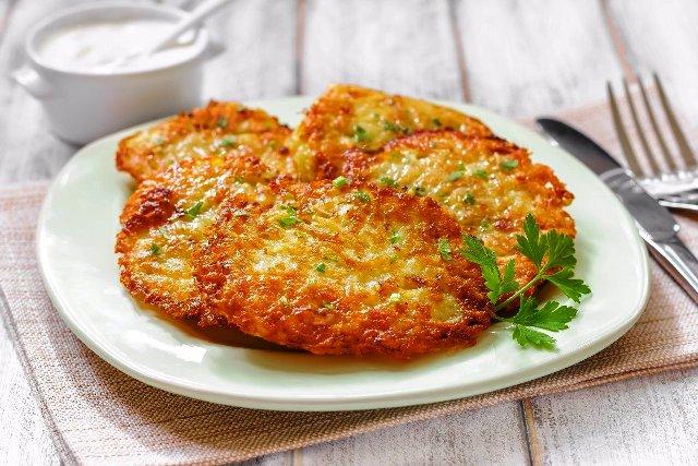 Драники картофельные: простые и очень вкусные рецепты