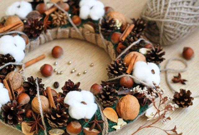 Рождественские венки своими руками на Новый 2021 год из природных материалов: как сделать, простые идеи