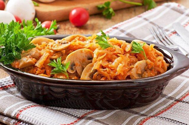 Тушеная капуста: простые и очень вкусные рецепты