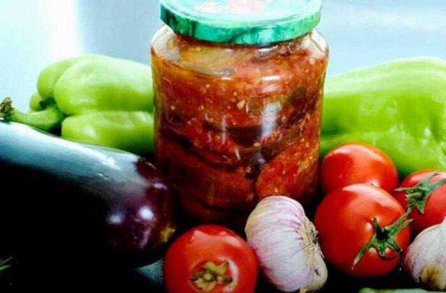 15 вкусных салатов из баклажанов на зиму: самые лучшие и простые рецепты